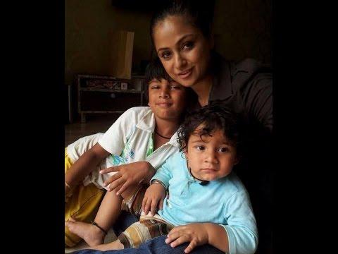 Actress – Simran  Family Video