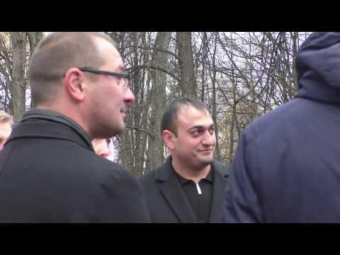 В Ярославле комиссия по приемке детского городка сбежала от YarNews-TV