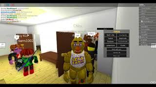 Chica spelen in Blockbears op Roblox