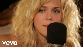 The Band Perry - Hip To My Heart (Live From Oceanway Studios, Nashville 2010)