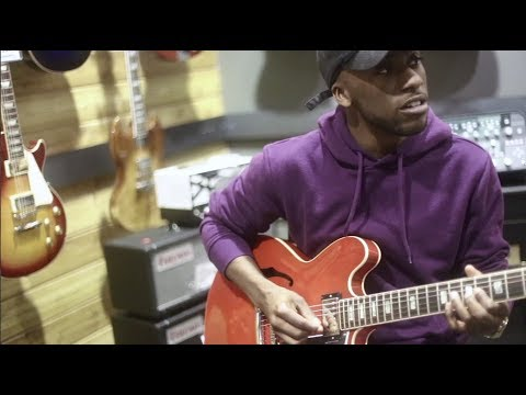 """Chavis Flagg Covers Erykah Badu - """"Didn't Cha Know"""" On Guitar Center Sessions"""