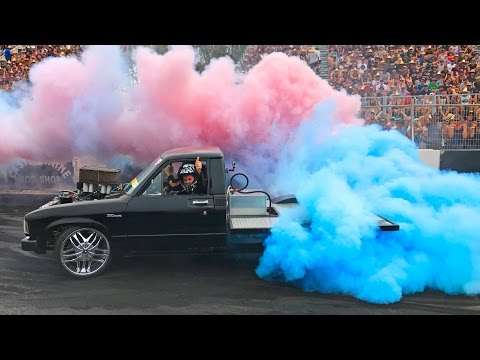 Burnout WORLD CHAMPIONSHIP - Summernats 30 Burnout Masters LIVE