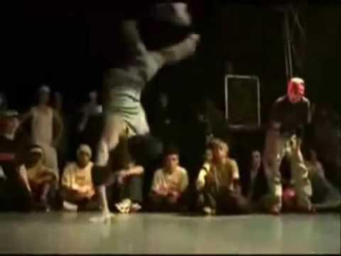 Nhung Tai Nan Breakdance.wmv