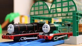 トーマスプラレール はじめて物語 緑のトーマス&黒いジェームス thumbnail
