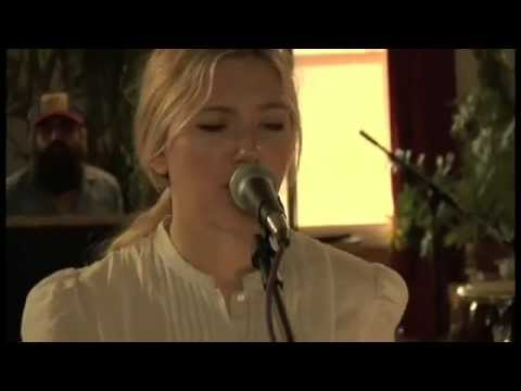 Scarlett Johansson  -  Anywhere I Lay My Head {Live}