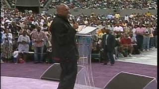 Bishop Paul Morton Preaching at Mega Fest 2005