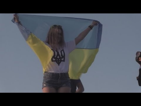 Russian-speaking Mariupol Symbolizes Ukrainian Renaissance: Residents rally against Kremlin threat