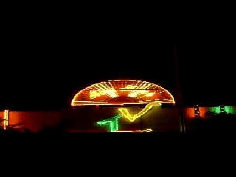 bang hieu, hop den, chu noi, neon sign
