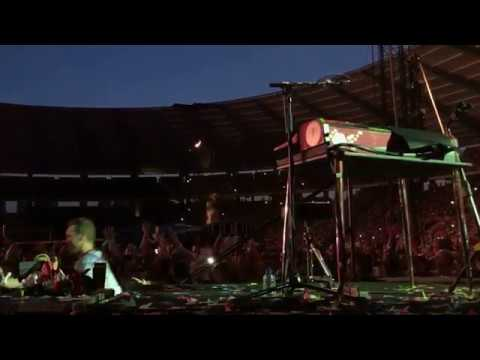 Chris Martin covers Stromae's Formidable in Brussels