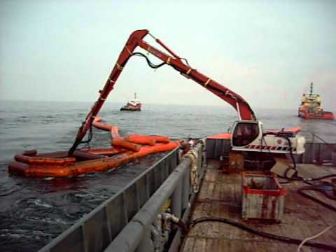 Offloading Oil in Gulf of Mexico