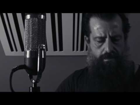 "Sean Rowe - ""Gas Station Rose"" (Live)"