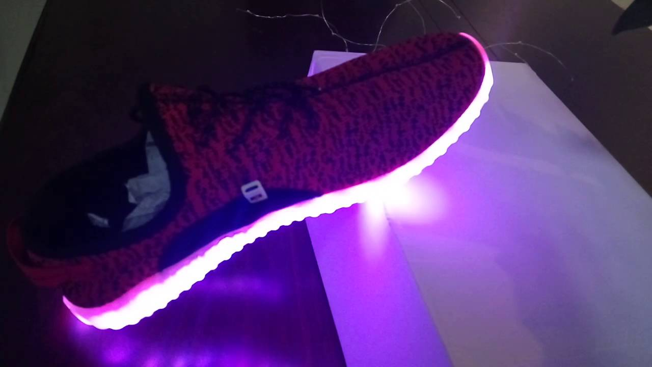 Yeezy Boost Con Luces