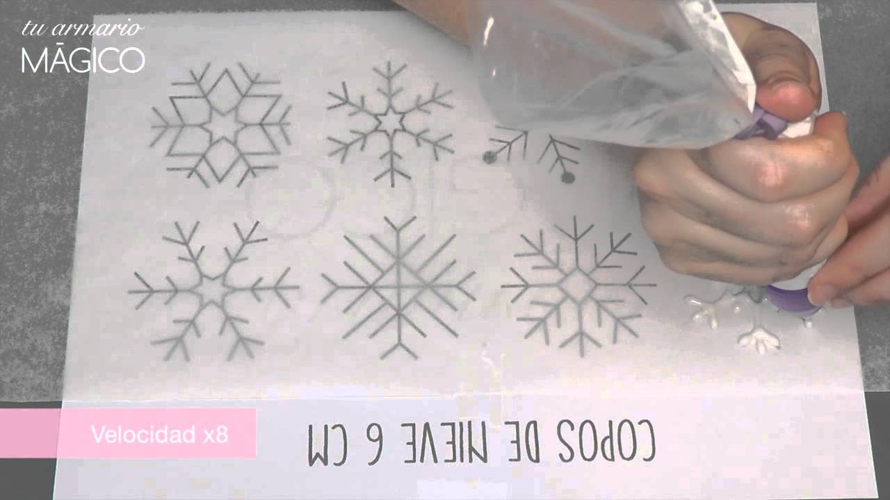 Cupcakes inspirados en frozen con copos de nieve de royal - Copos de nieve manualidades ...