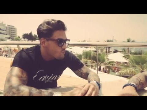 Wayne Lineker interview´s Mario Falcone at Ocean Beach Ibiza 2014