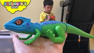 Scary LIZARD GECKO in our room! Toddler plays with robo alive pets snake lizard and toys zuru