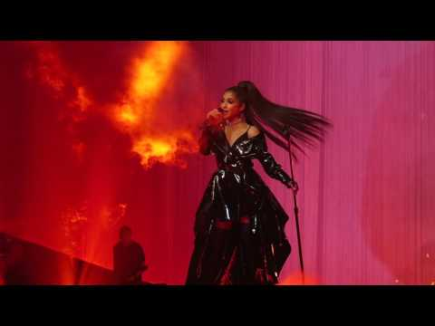 Ariana Grande - Dangerous Woman (Live at The Palace Of Auburn Hills)