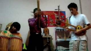 Traditional Northeastern Thai Music - Electric Guitar Pin & Khan improvise Morlum