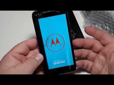 Посылка с аукциона с ретро телефонами Motorola XT1602 Moto G4 Play, Samsung S3600i, Siemens A55