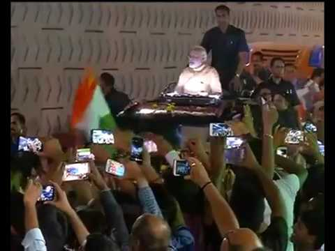 PM Narendra Modi Power Full Rally In Surat, Gujarat With Z Plus Security and Gujarat Police Force