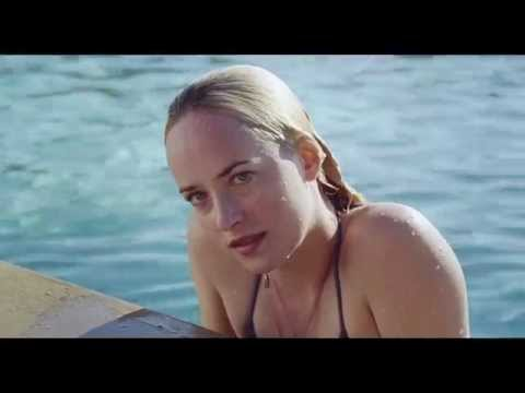 A BIGGER SPLASH - CLIP [HD] In piscina
