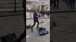 Shape of You (violin) in Florence by street musician