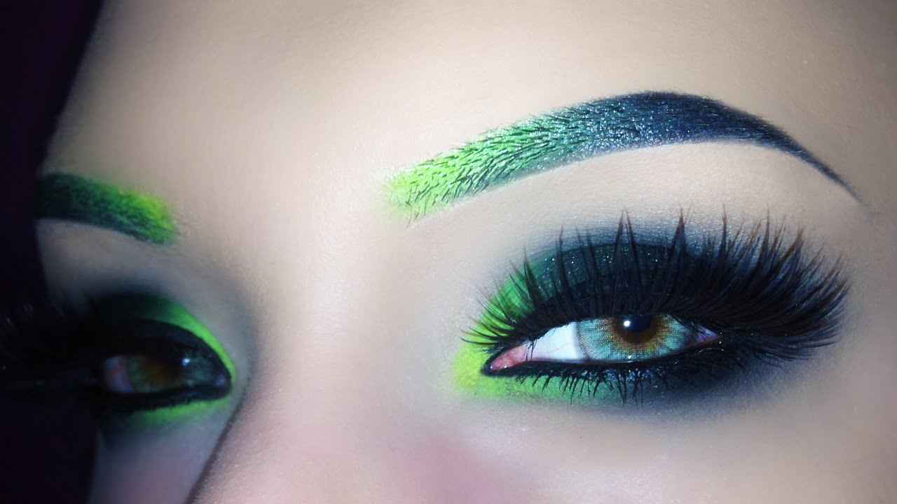 How to do sexy makeup for green eyes