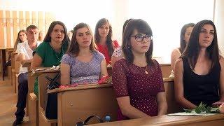У Коломиї 230 студентів отримали вчительські дипломи
