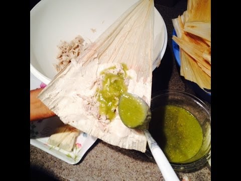 Tamales de Chile Verde (How To) ( Mom)