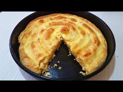 Tradicionalna pita od razvučenih kora prelivena kajmakom