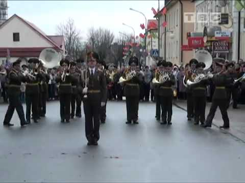Russian military band perform Aram zam zam :)