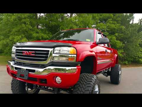 Low mileage 2007 GMC Sierra 2500HD Duramax Diesel. Lifted riding on 22s & 40s. Fox Shocks