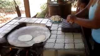 tortillas en metate