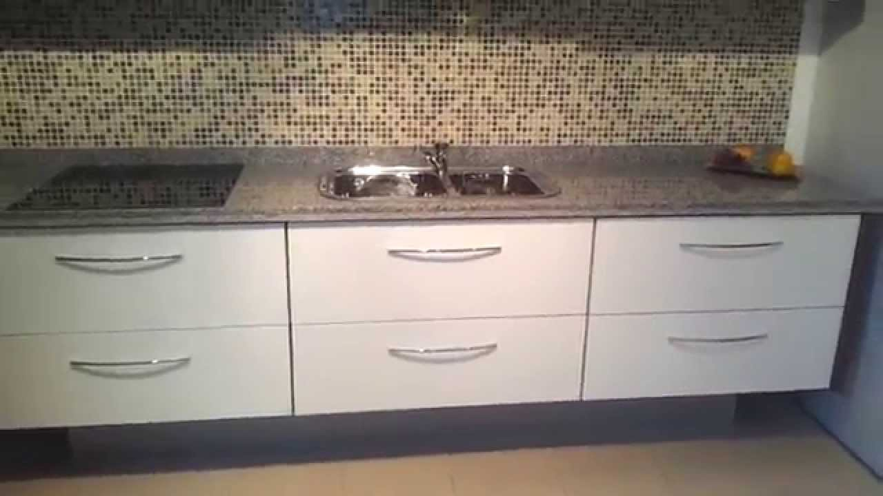 Mueble de cocina suspendido alacenas vidrio blanco for Alacenas para cocina