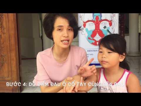 Hướng dẫn chữa trẹo chân bong gân cho bé