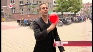 Juggler Niels Duinker presenting the Guinness Book of Records 2014 at TV
