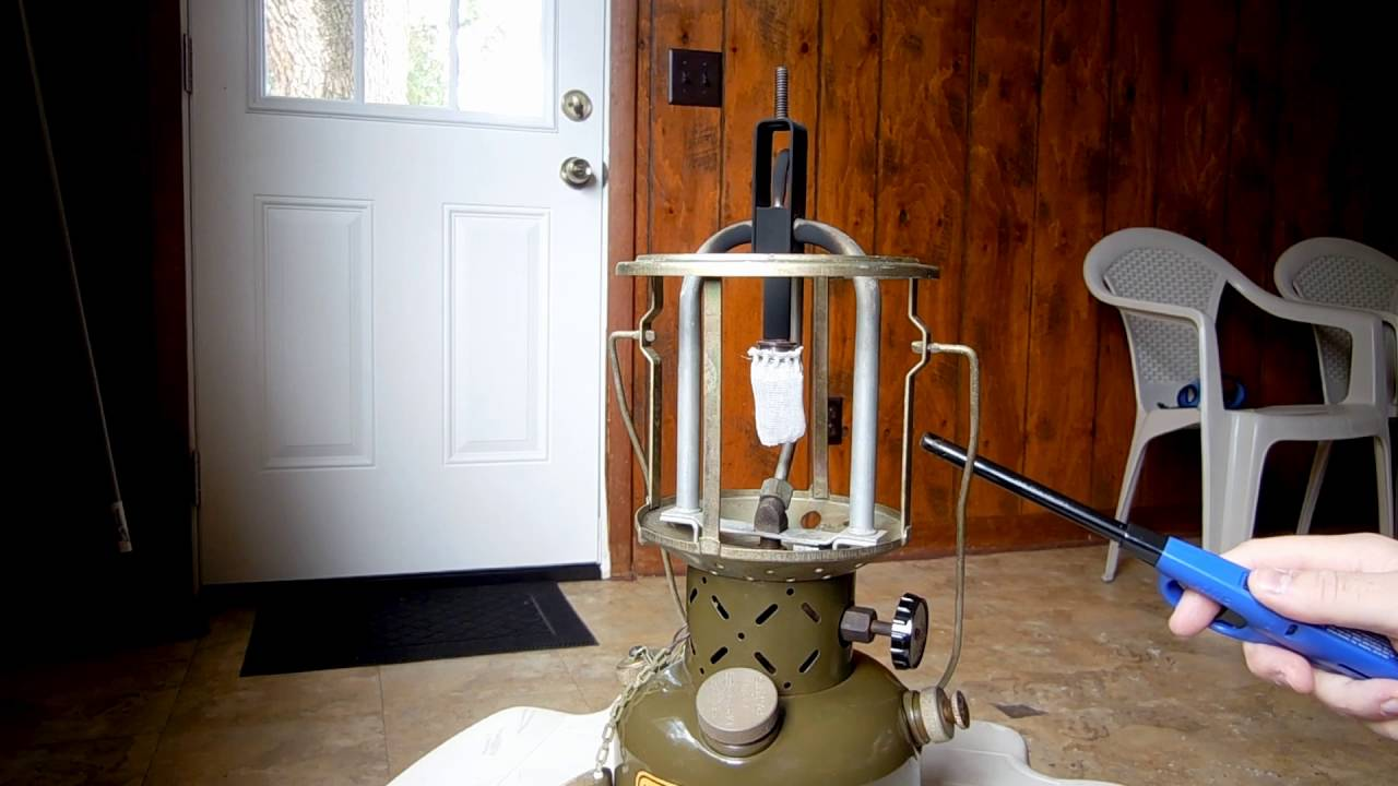 1952 Coleman 252A Milspec Lantern and also how to Lightup