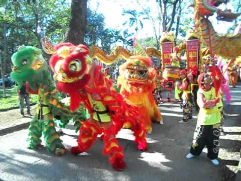 đoàn lân sư rồng Bạch Ngọc Đường - Huế ( 0909.309446 ) - Festival Huế 2011 Full