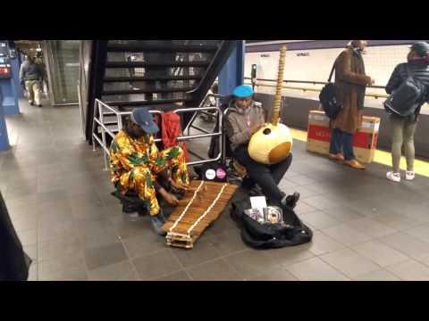 প্রবাসী  জীবন  আমেরিকাতে ভিখারি   in New York subway)