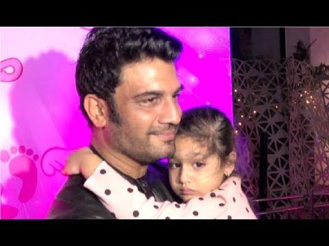 Sharad Kelkar With His Daughter At Karanvir Bohra Daughters Birthday Party 2017