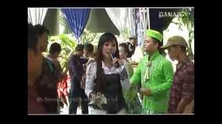 Download lagu live show susy arzety
