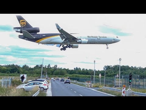7 BIG PLANE LANDINGS - BOEING 747 LOW landing above the street - MD11, Airbus A300 (4K)