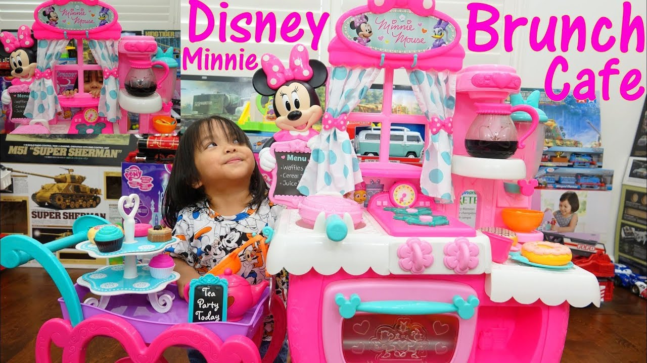 A PINK Kitchen Toy Playset! Disney Minnie Brunch Cafe. Cooking ...