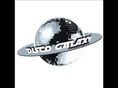 Discogalaxy ft. Gibson Bros. - Que Sera Mi Vida! (Funky Shakey Disco House)