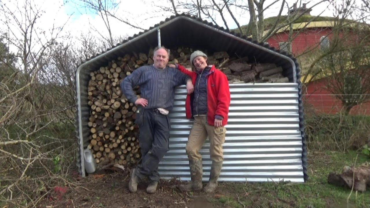 schuppen f r die brennholzlagerung einfach und billig selberbauen youtube. Black Bedroom Furniture Sets. Home Design Ideas