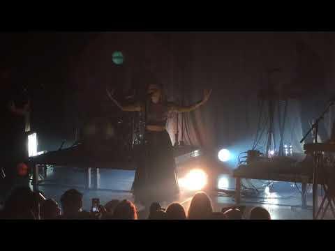 Aurora - Soft Universe - Live at the Melkweg