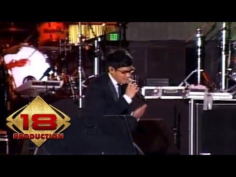 Afgan - Wajahmu Mengalihkan Duniaku  (Live Konser Medan 18 Juni 2011)