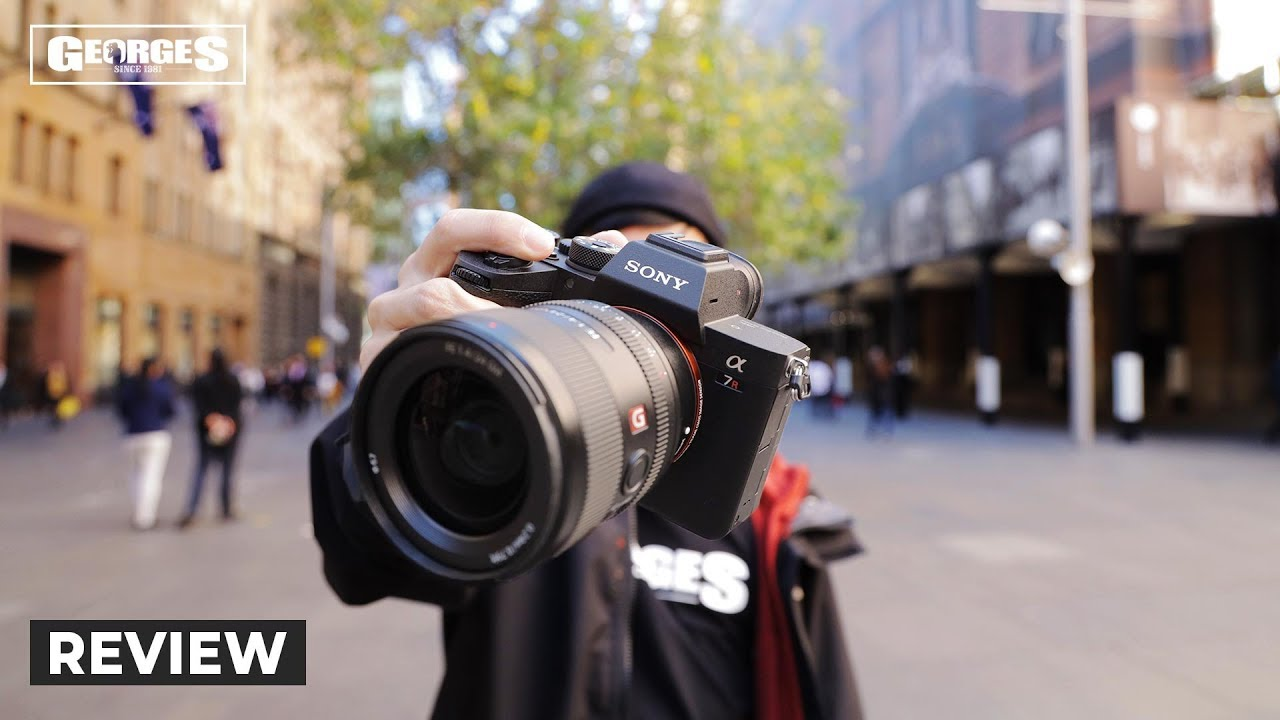 Sony A7R IV Hands-on Review | 61 MP SENSOR? IT'S HUGEEE 💪