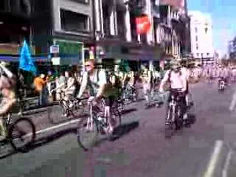 naked ride in central london 2006
