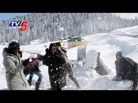 Tourist Enjoy Snow Falls In Jammu And Kashmir | TV5 News