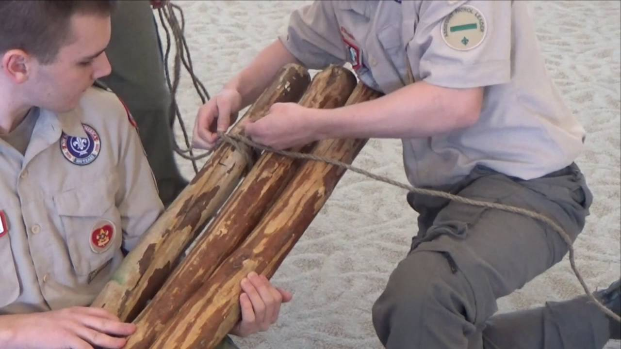 How to Tie a Tripod Lashing with Plain Turns